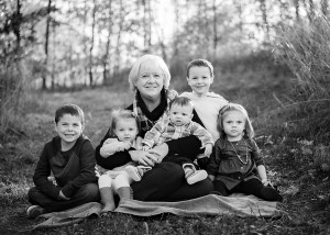 grandma and grandkids photography in kalamazoo